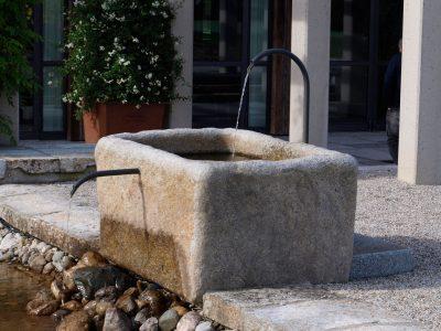 Naturstein Rechenauer Garten Wasser Brunnen Gartendekoration Einzelstück Terrasse Einfassung Gneis Granit Kalkstein Haus
