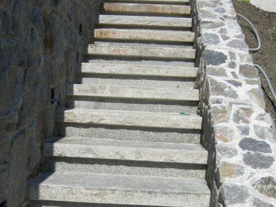 Naturstein Rechenauer Garten Treppe Mauer Dekoration Terrasse Brunnentrog Bank Einfassung Gneis Granit Kalkstein Haus Eingang Weg Zufahrt Wasser